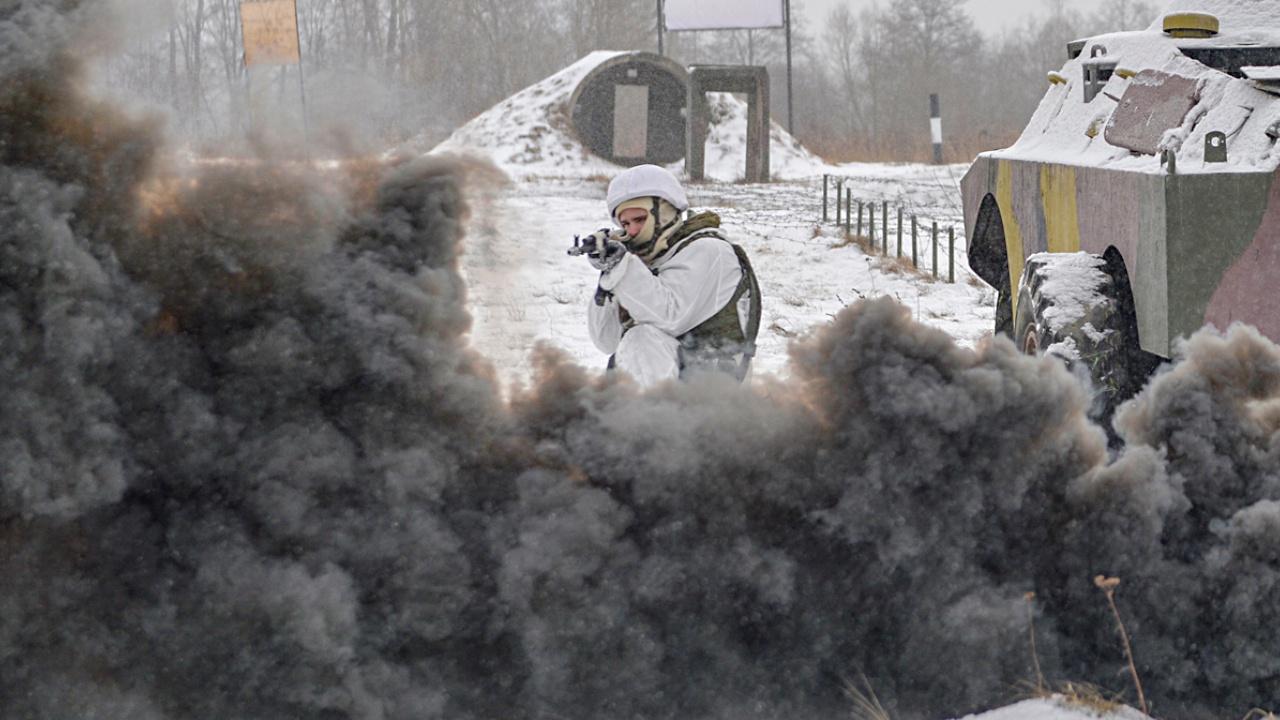 Прикрыть колонну: мотострелки Ленобласти отбили нападение условных диверсантов