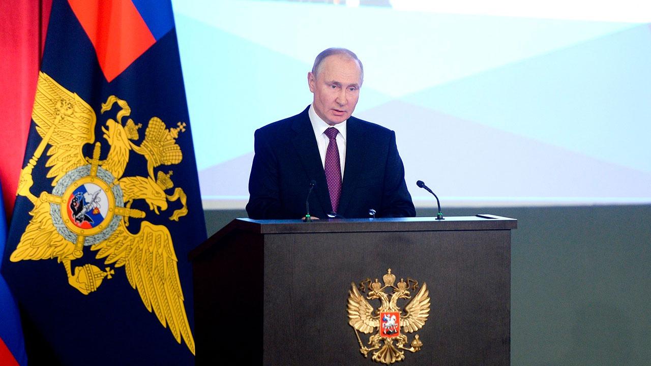 Путин призвал беспощадно бороться с пьянством за рулем