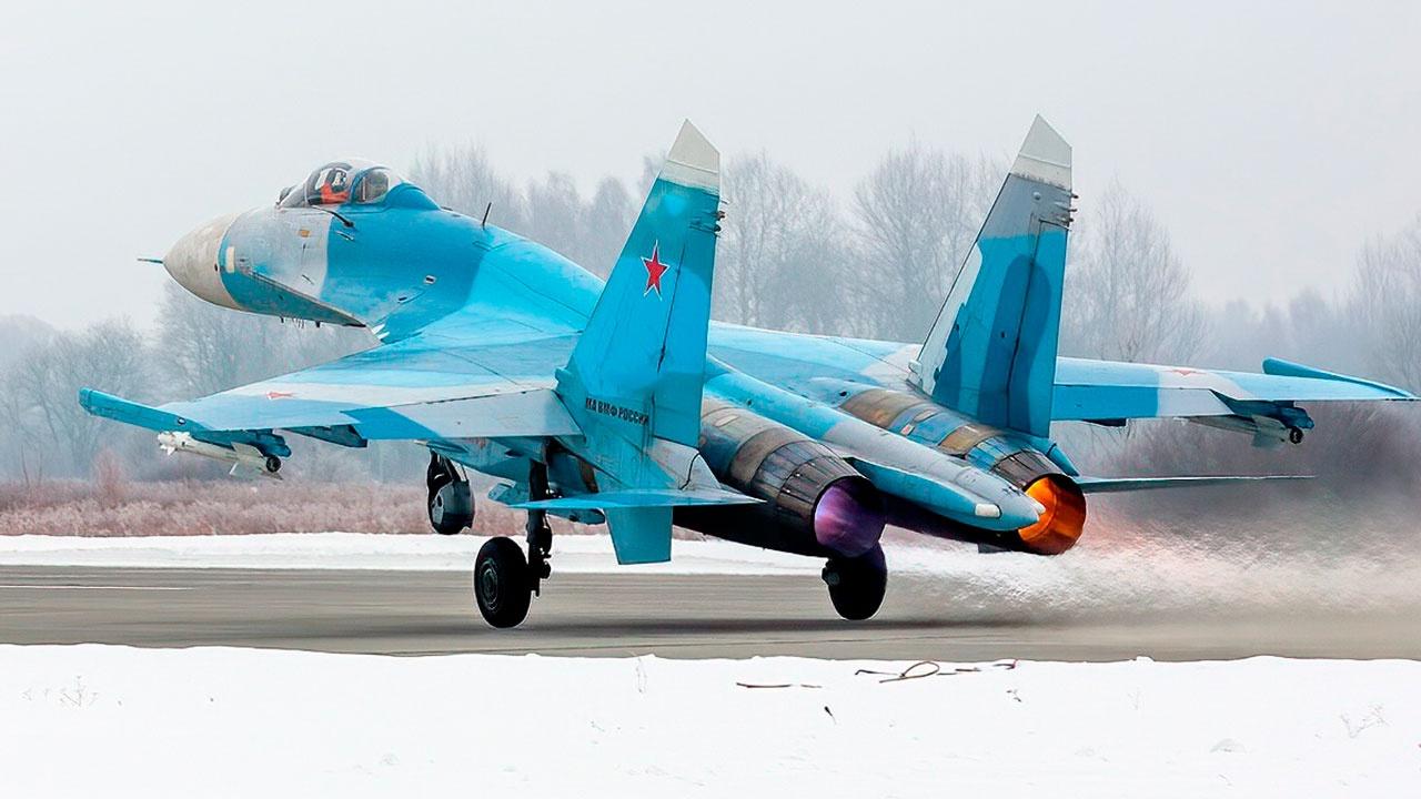 Российский Су-27 сопроводил два бомбардировщика В-1В ВВС США над Балтийским морем