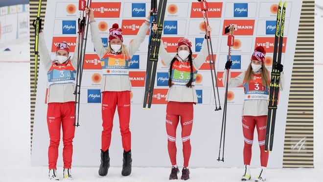 Россиянки взяли серебро в эстафете на чемпионате мира - 2021 по лыжным гонкам