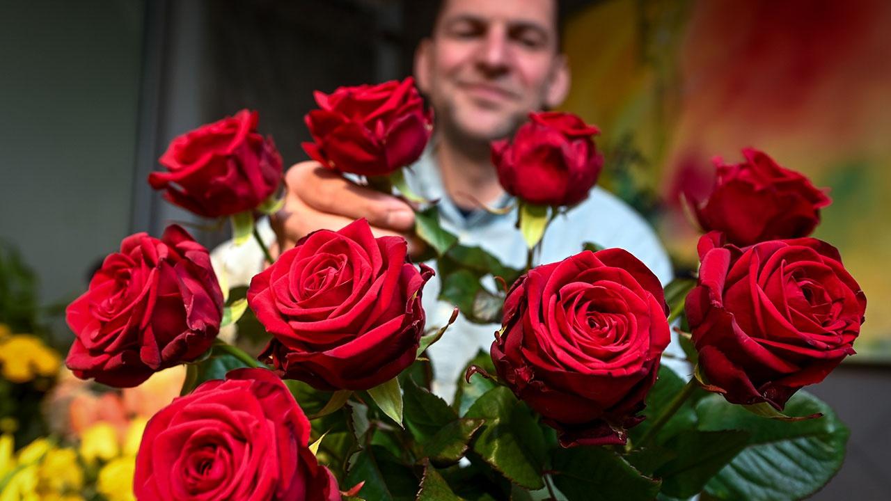 В Роспотребнадзоре рассказали, как выбрать свежие цветы