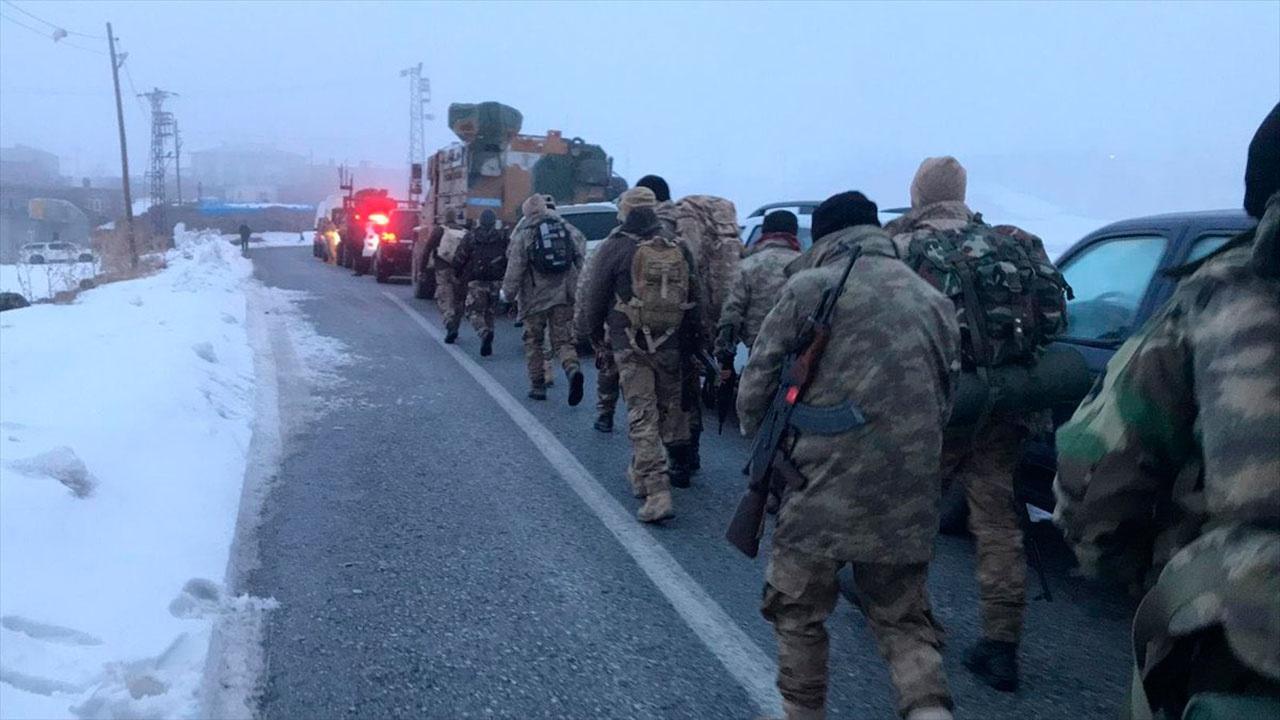 В Турции разбился военный вертолет, погибли девять человек