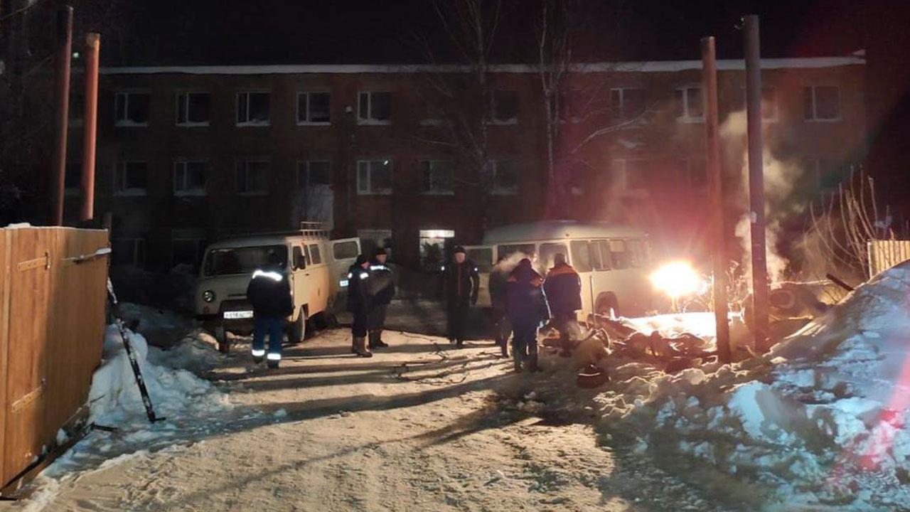 В Коми 32 дома остались без отопления из-за столкновения грузовика с теплотрассой