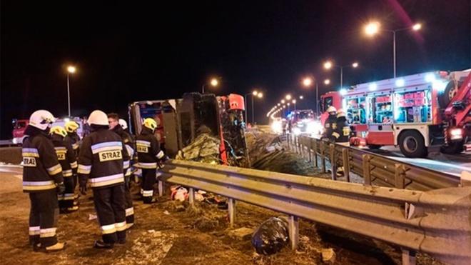 Шесть украинцев погибли после аварии с автобусом в Польше