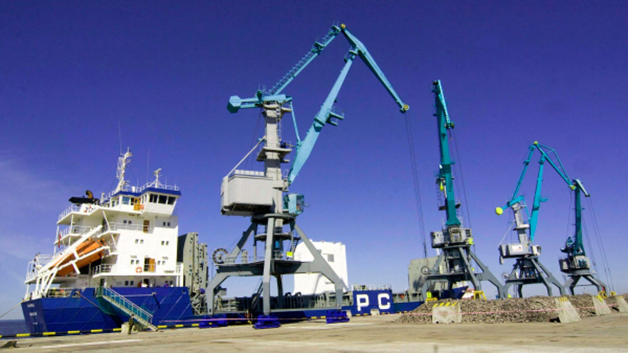 Начались поставки белорусских нефтепродуктов в российские порты