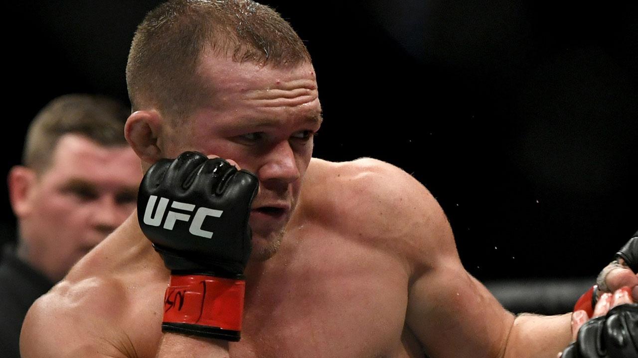 Россиянин Петр Ян утратил титул чемпиона UFC