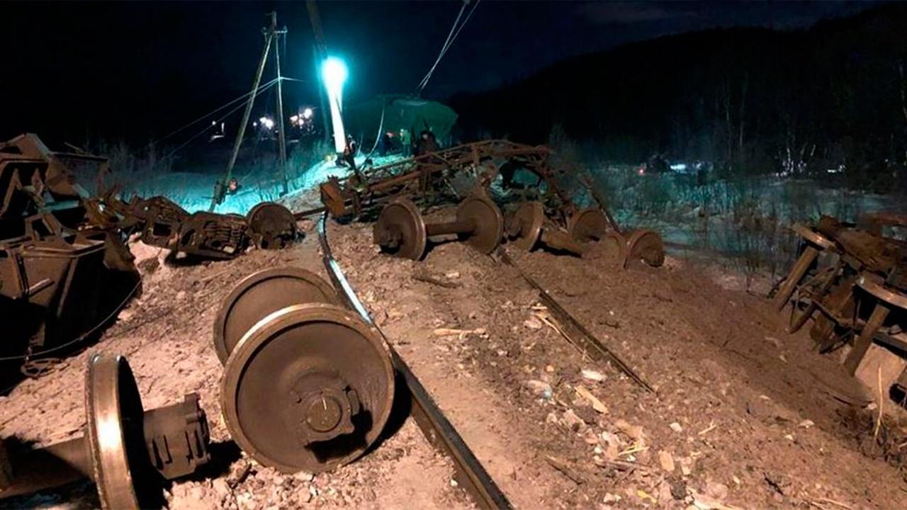 Движение прекращено: в Забайкалье сошли с рельсов 20 вагонов с углем