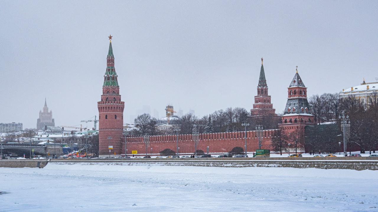 Синоптик предупредил о ледяных иглах в небе над Москвой