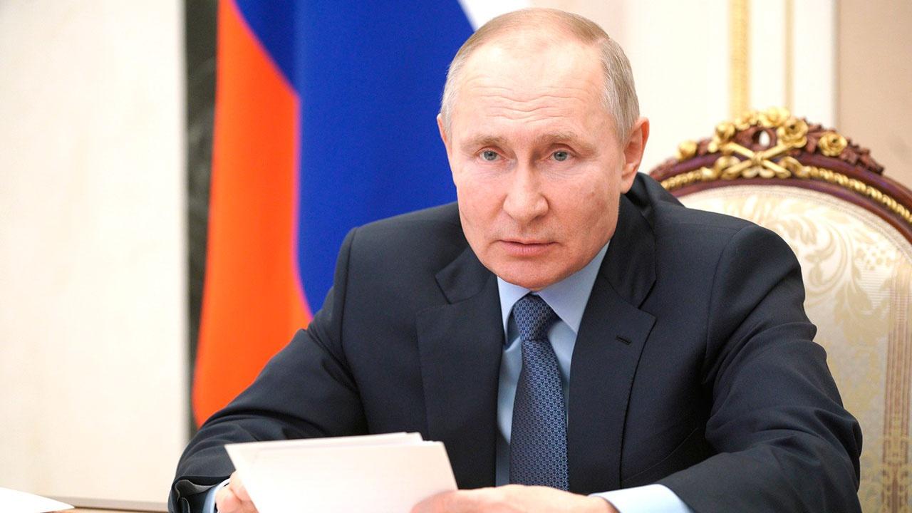 Путин поручил выяснить, соответствуют ли зарплаты бюджетников целевым показателям