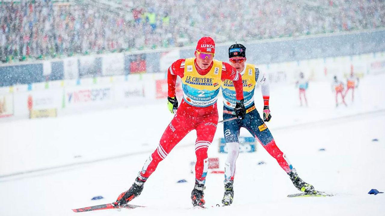 Норвежский лыжник Клебо объяснил проигрыш Большунову в масс-старте на этапе КМ