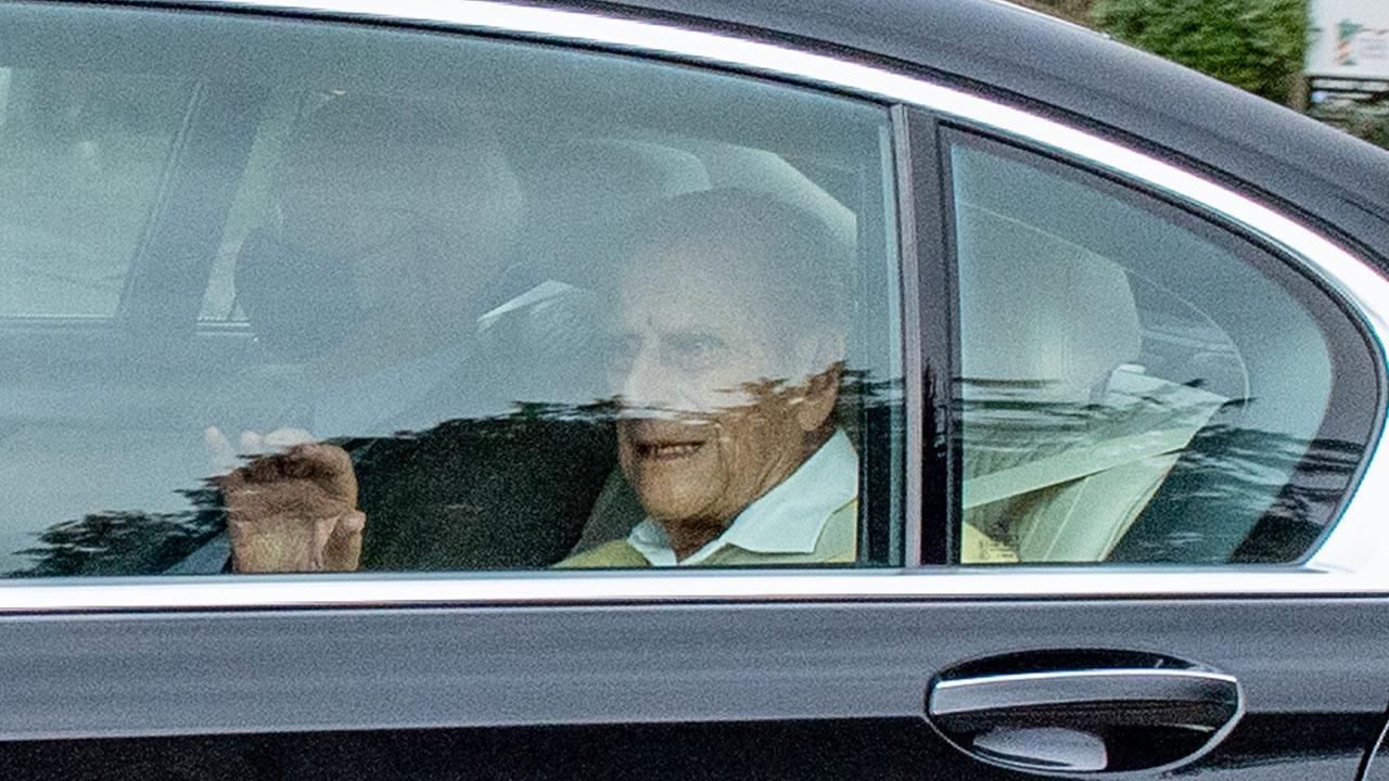 Принц Филипп покинул больницу после операции на сердце