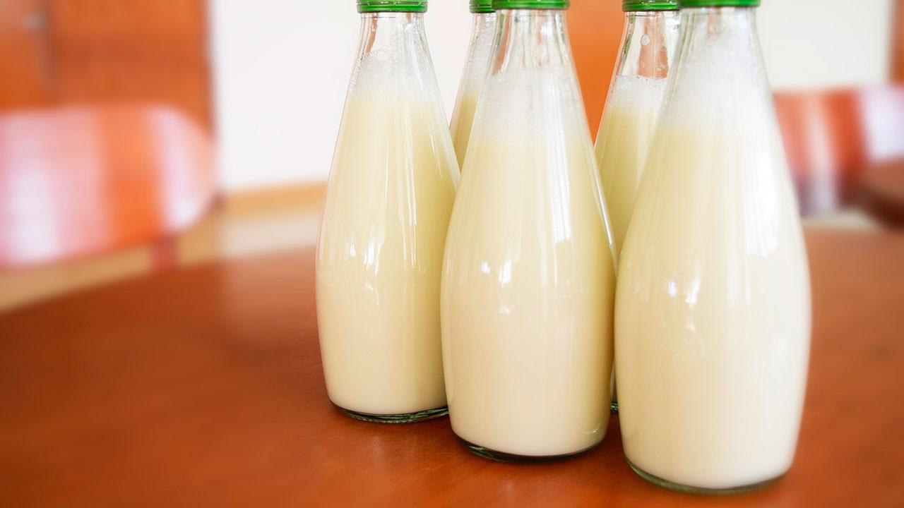 Минсельхоз зафиксировал стабилизацию цен на хлеб, муку и молоко