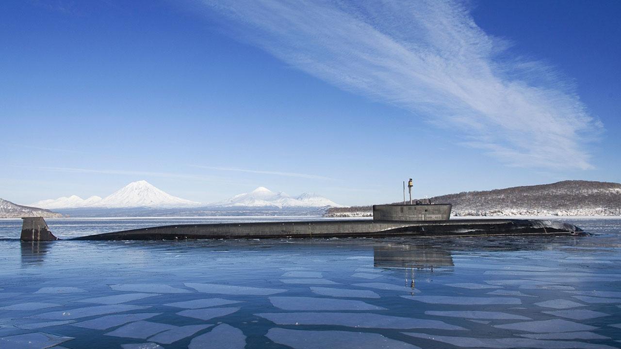 «Верность флагу и любовь к морю»: главком ВМФ поздравил подводников с профессиональным праздником