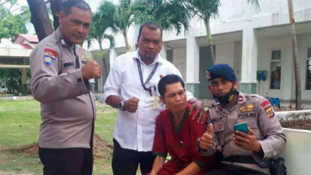 Считавшийся погибшим после цунами 2004 года полицейский в Индонезии найден в психиатрической больнице