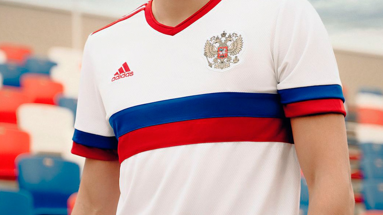 РФС представил новую гостевую форму сборной РФ по футболу в формате шоу