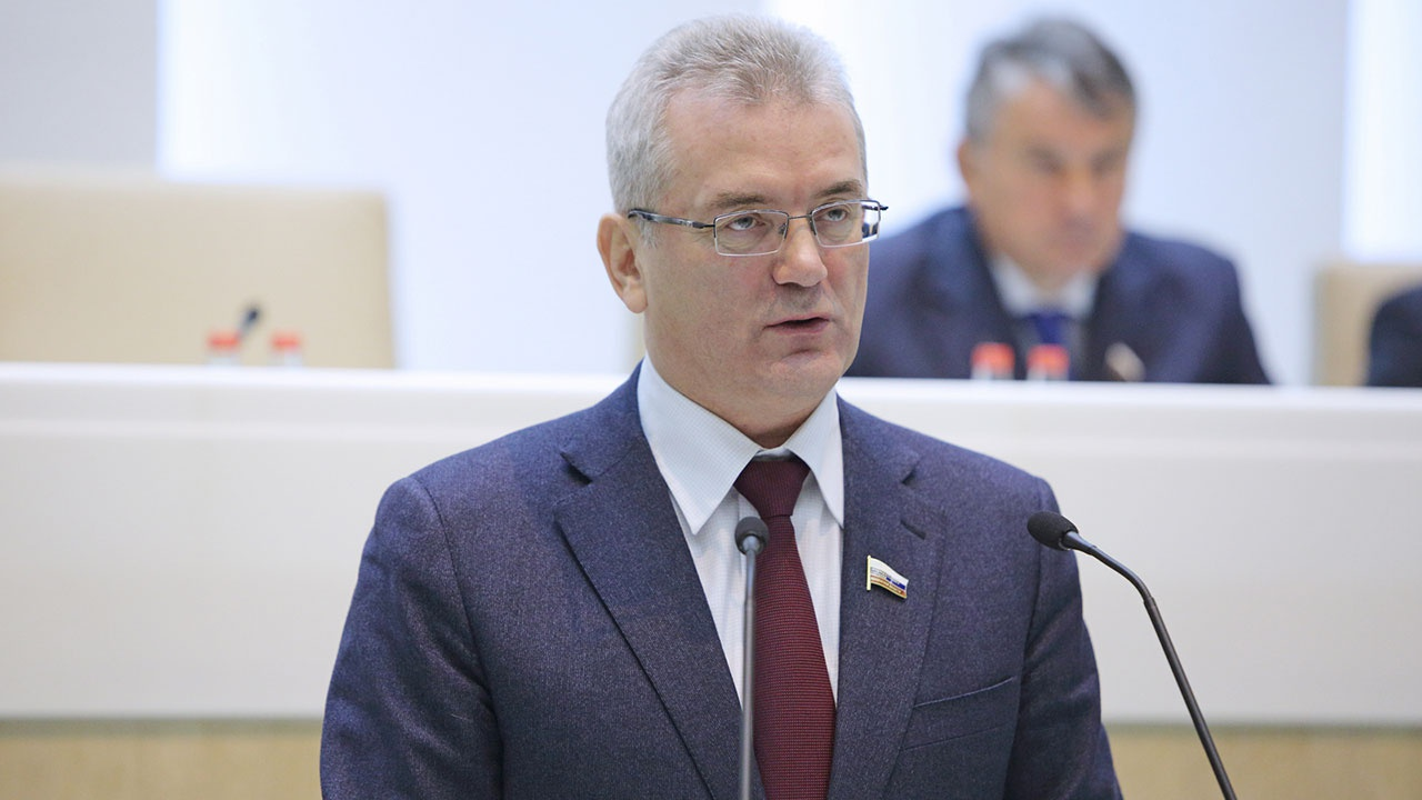Песков ответил на вопрос о возможной отставке Белозерцева