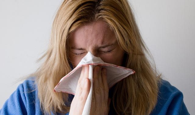 Терапевт рассказала, как не заболеть при первых признаках простуды
