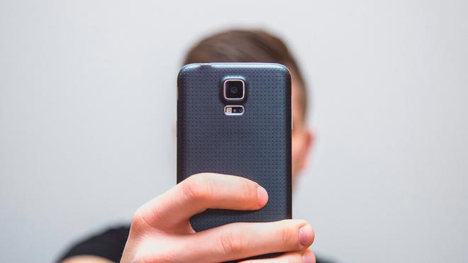 Эксперт назвал дешевый способ защитить информацию на смартфоне