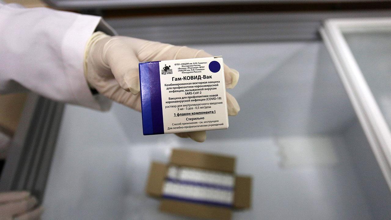 Путин заявил об отсутствии серьезных побочных эффектов у российских вакцин от COVID-19
