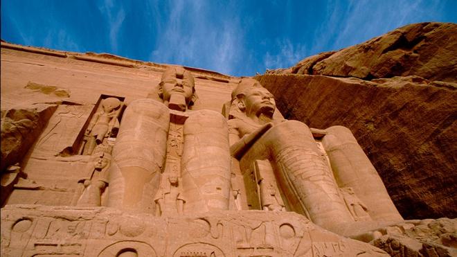 Аварию Ever Given в Суэцком канале объяснили «проклятием фараонов»