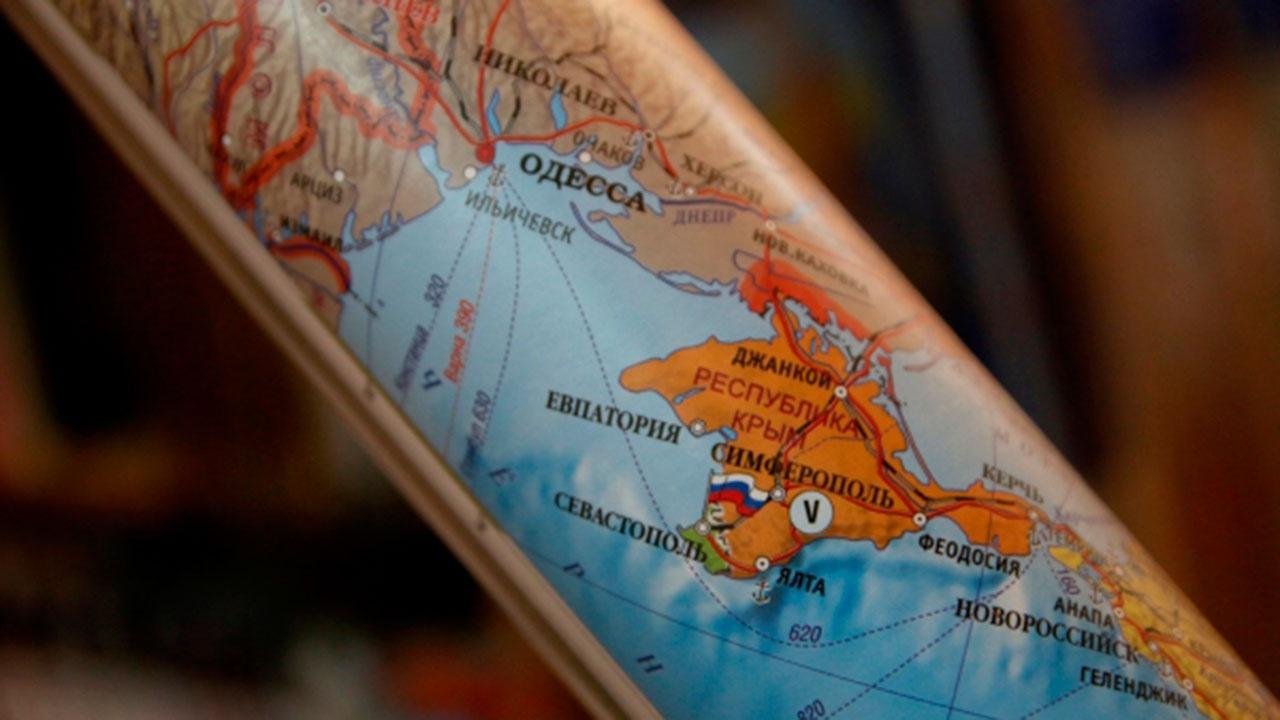 В украинских учебниках изобразили карту страны без Крыма