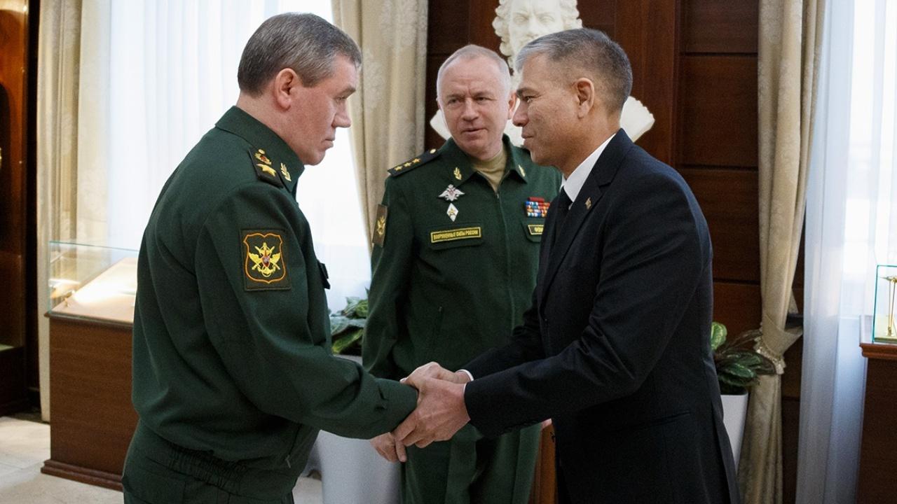 Главы Генштабов ВС России и Туркменистана обсудили военно-техническое сотрудничество двух стран