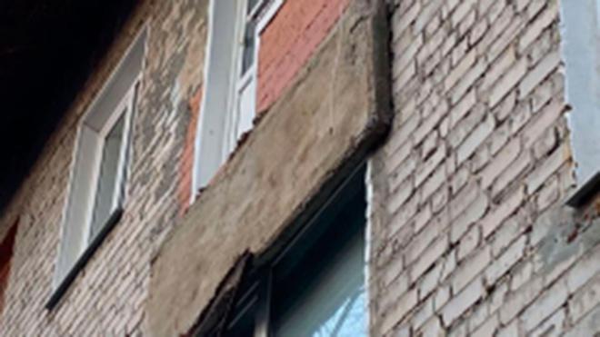 В Сызрани женщина пострадала при обрушении балкона