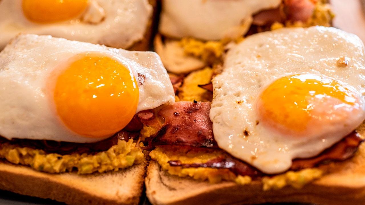Диетолог рассказал, как ни в коем случае нельзя есть яйца