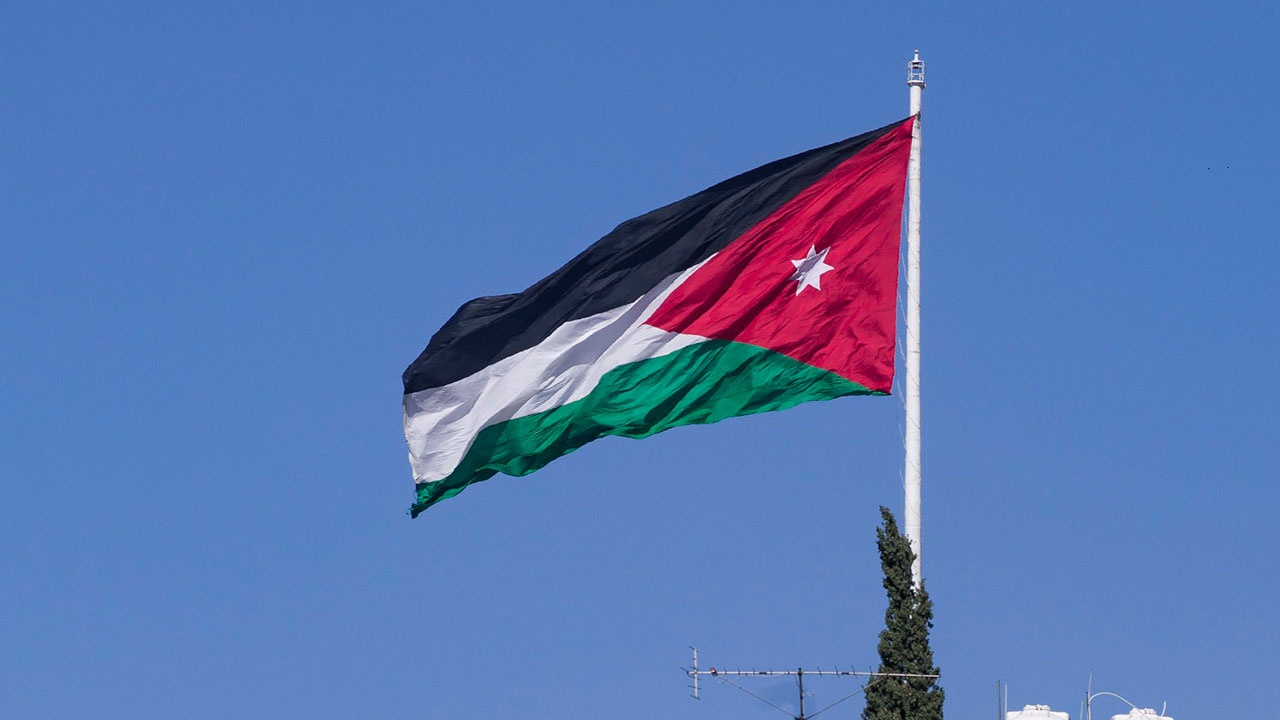СМИ: в Иордании арестованы экс-советник короля и член его семьи