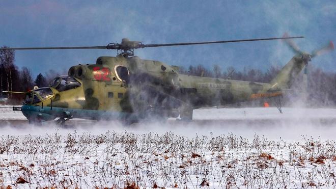 Точное попадание: вертолеты Балтийского флота Ми-24 поразили наземные цели на расстоянии до 5 км