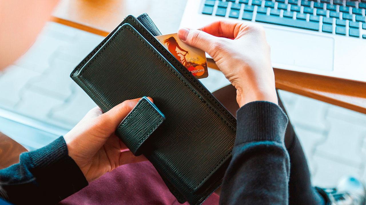 В ЦБ рассказали, как не стать жертвой телефонных мошенников