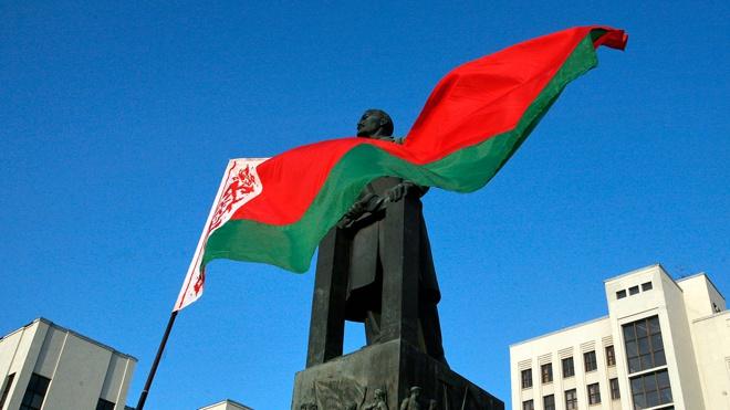 Кравчук считает Белоруссию «холуем» России