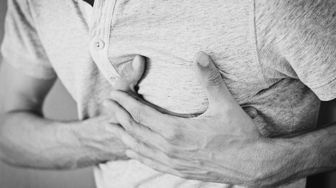 Врачи назвали признаки сердечного приступа