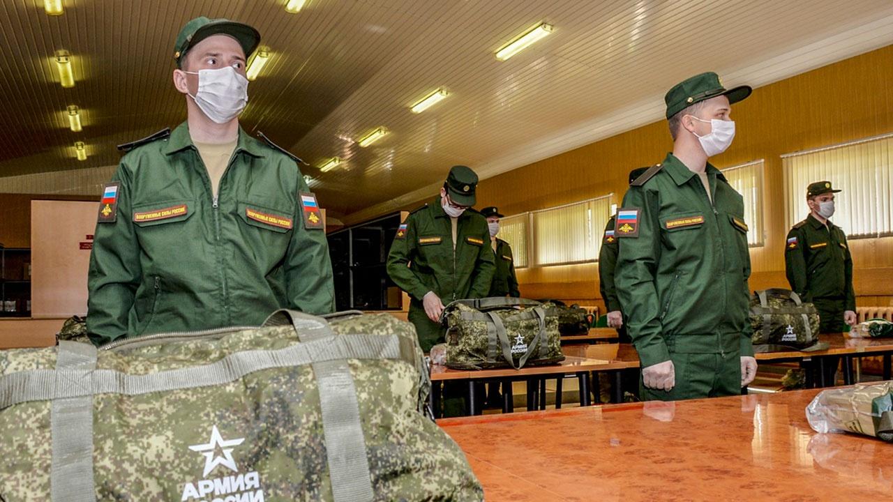 МО РФ: отправка новобранцев в войска начнется 15 апреля