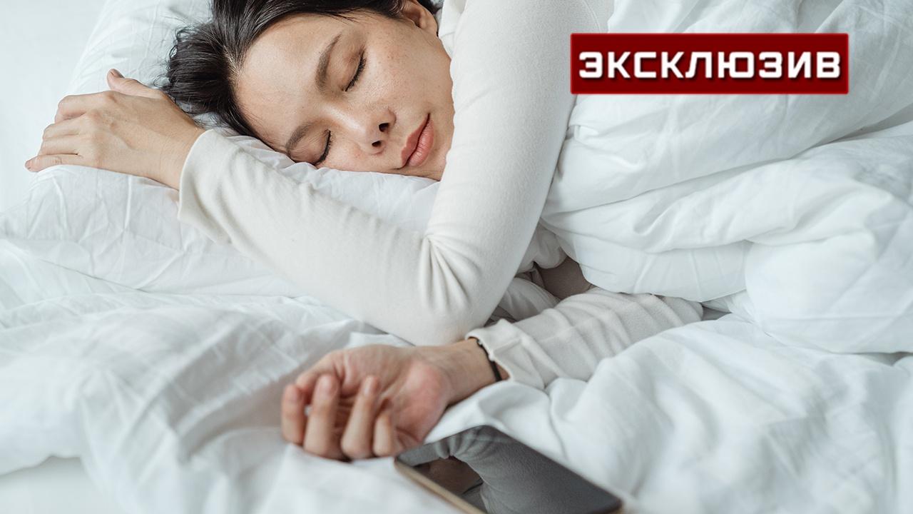 Врач оценил опасность приложений «для сна» и медитаций