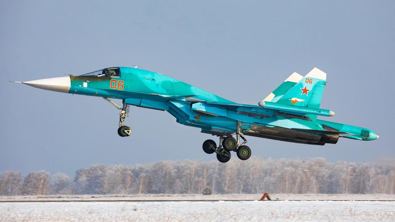 Военные самолеты Пермского края и Челябинской области подняты по тревоге