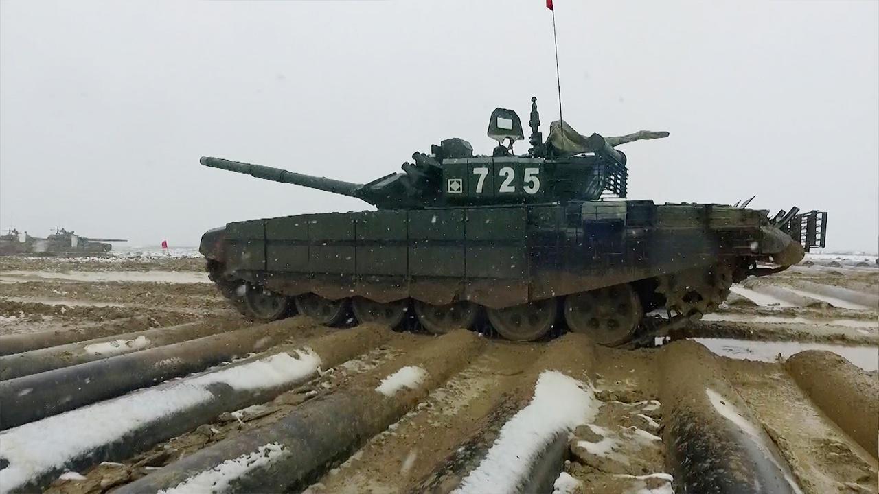 Несмотря на непогоду: в Подмосковье проходят тренировки перед всероссийским этапом «Танкового биатлона»