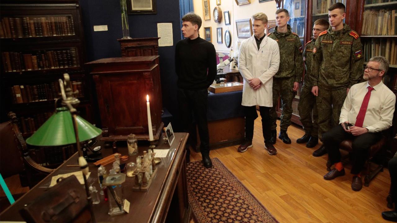 На кафедре биологии Военно-медицинской академии открыли мемориальный кабинет Николая Холодковского