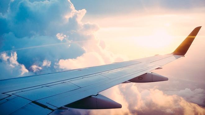 Пассажирский самолет срочно возвращается в аэропорт Сочи