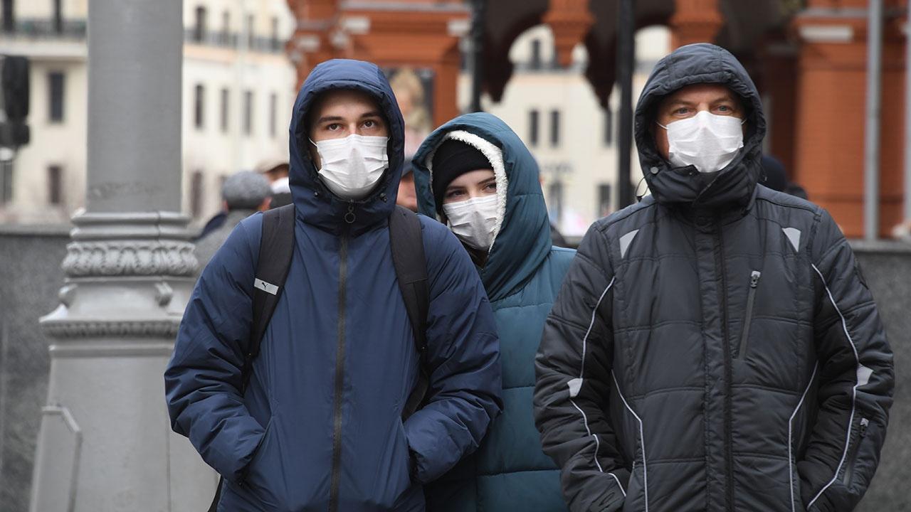 В России за сутки выявили 8 702 новых случая заражения коронавирусом