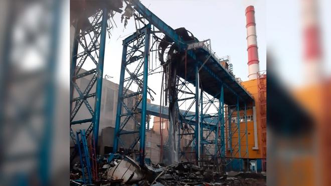 Фрагмент дымовой трубы на ТЭЦ-2 рухнул в Барнауле