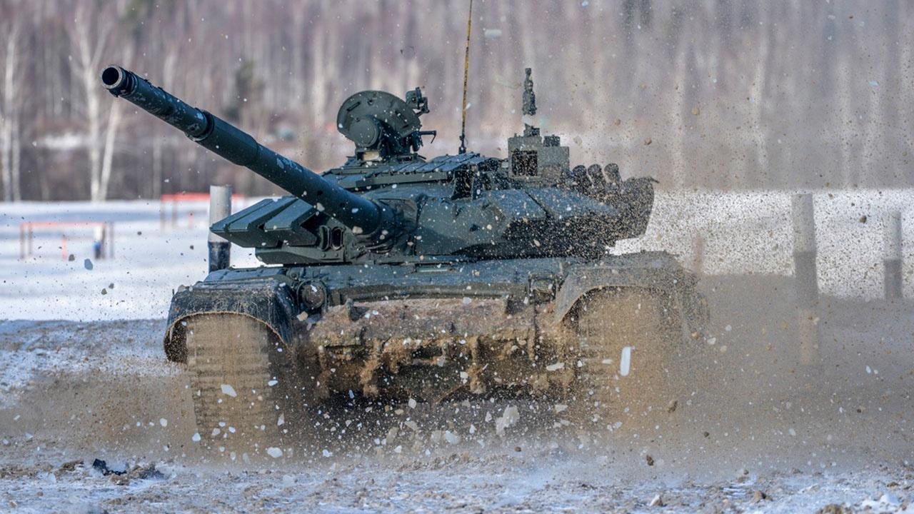 Командующий войсками ЗВО проверил ход мероприятий боевой подготовки танковой армии за зимний период обучения