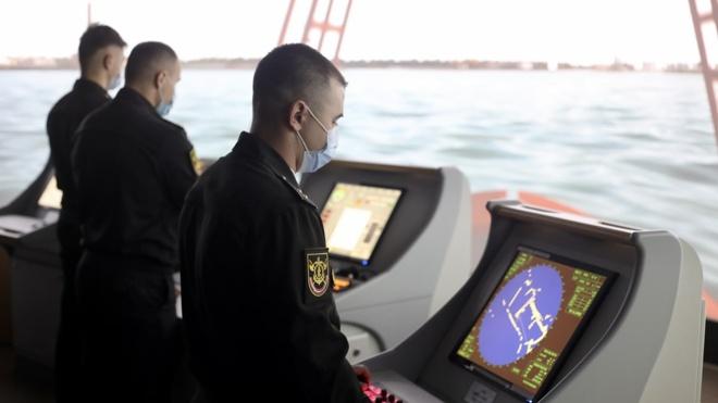 Экипажи корветов «Резкий» и «Ретивый» приступили к отработке практических действий в Петербурге