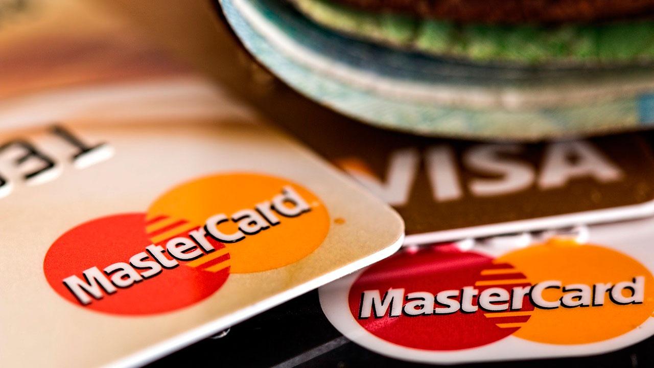 Visa и Mastercard ответили на информацию о возможном отключении России от своих систем