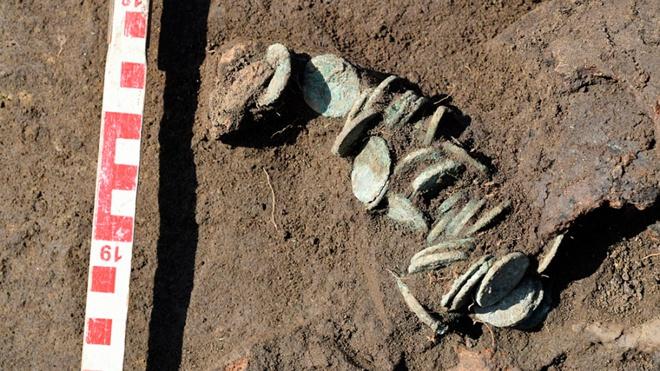 На месте реконструкции дороги в Краснодарском крае найдены древние монеты