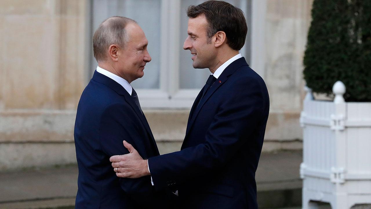 В Кремле заявили об отсутствии планов переговоров Путина с Макроном