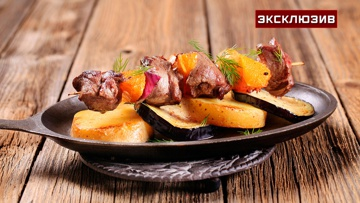 Шашлык без мяса: шеф-повар рассказал, как приготовить вкусно на углях фрукты, рыбу и морепродукты