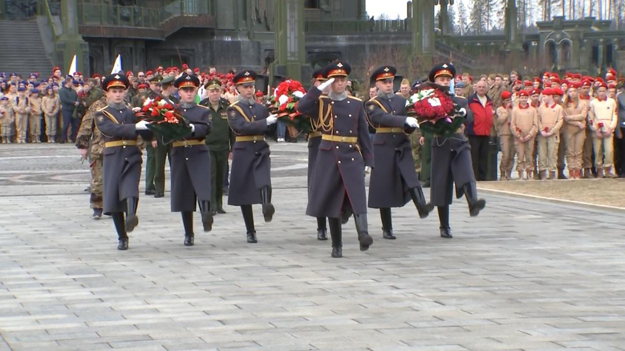 Не забывать героев: в парке «Патриот» открылся новый сезон акции «Вахта памяти - 2021»