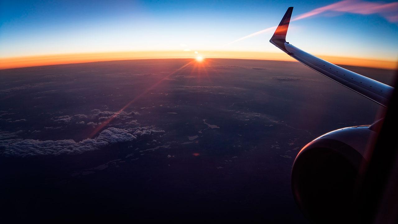Более 30 рейсов отменили и задержали в аэропортах Москвы