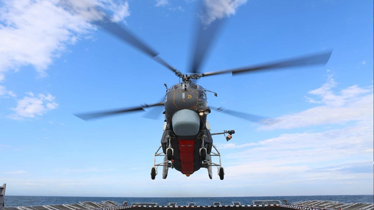 Посадка - сложнее всего: Ка-27ПЛ выполнил более десяти приземлений на палубу «Ярослава Мудрого» на Балтике